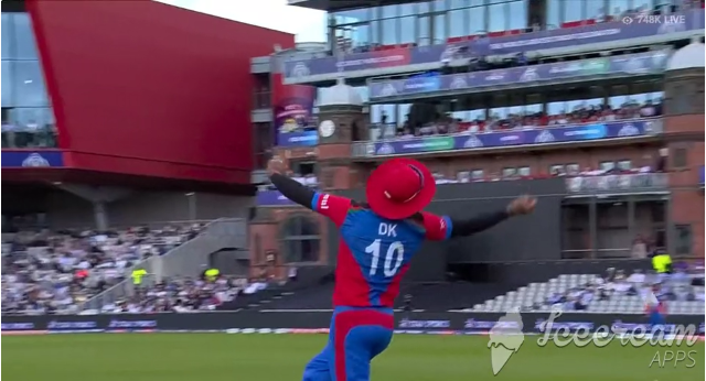 """Dawlat Zardan dropped a catch while trying """"one-handed stunner."""""""