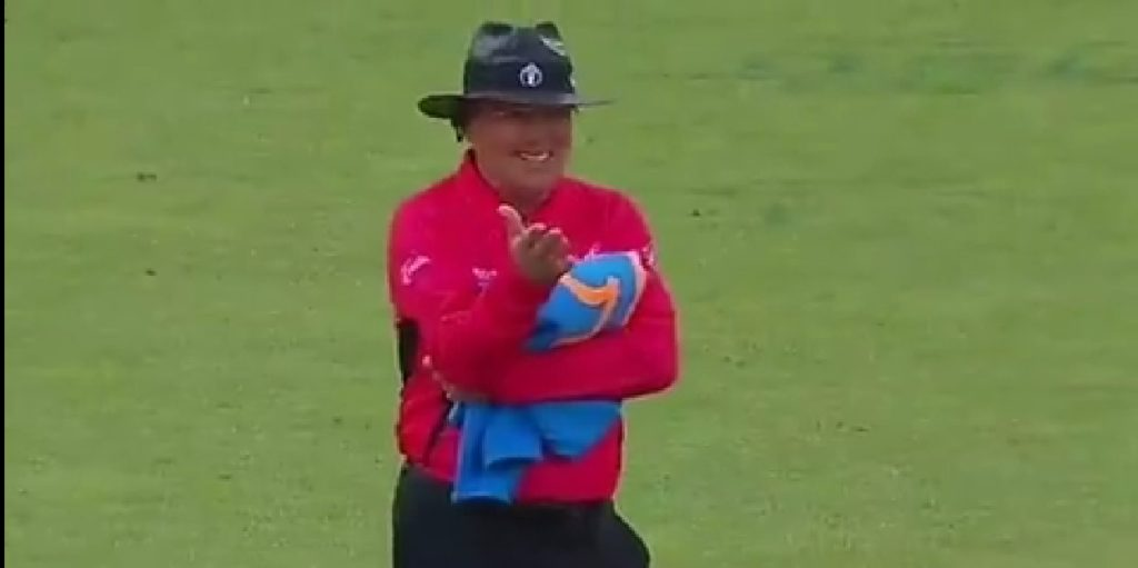 MS Dhoni did something like that umpire also started laughing.