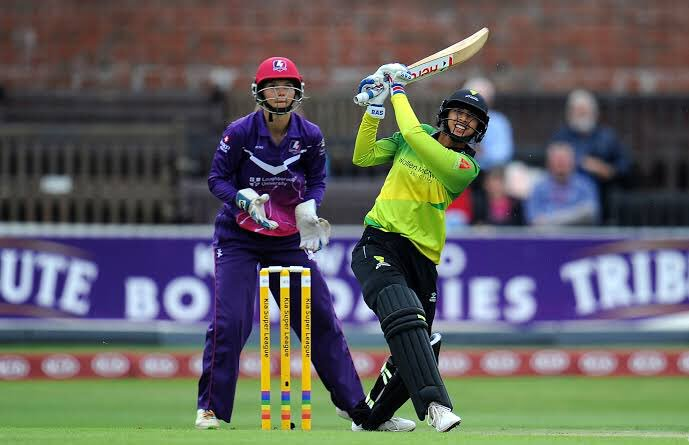 Smriti Mandhana re-joins Western storm