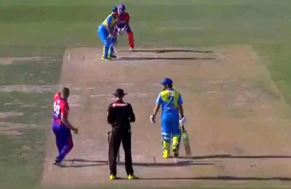 Unorthodox bowling action of Pavin Florin goes viral in European Cricket league