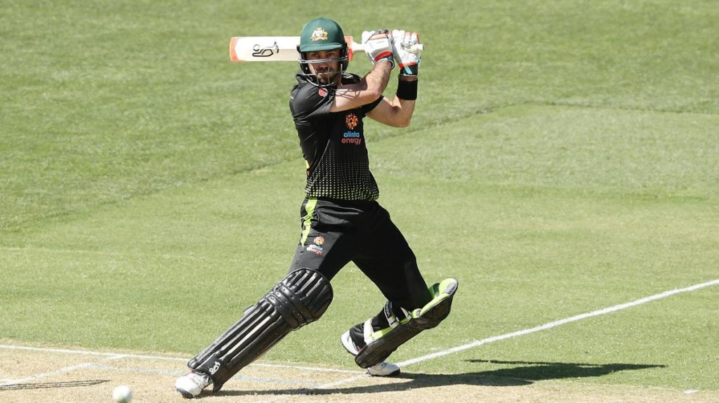 Glenn Maxwell plays An MS Dhoni-Style Helicopter Shot