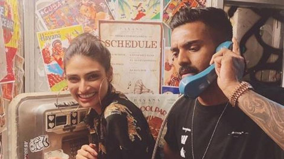 Suniel Shetty Reacts to Athiya's Picture with KL Rahul