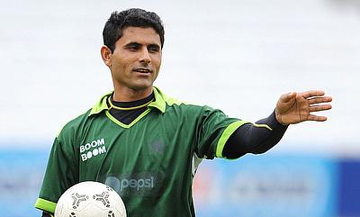 Abdul Razzaq being bashed for his IPL-PSL comments