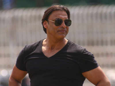 Shoaib Akhtar praises Pandey; Expects him to fill the big shoes of Dhoni