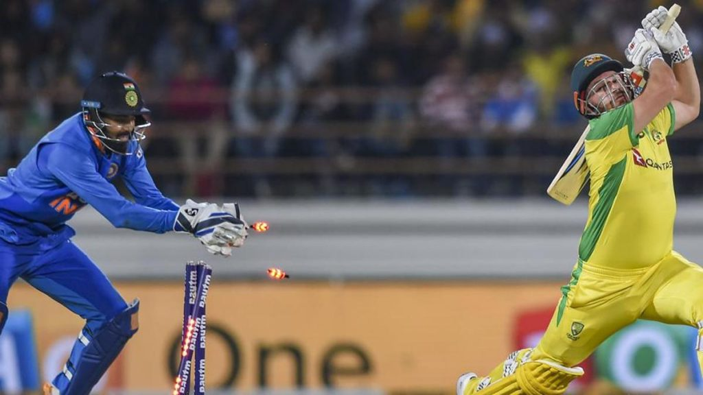 KL Rahul will continue with Wicket Keeping gloves: Kohli