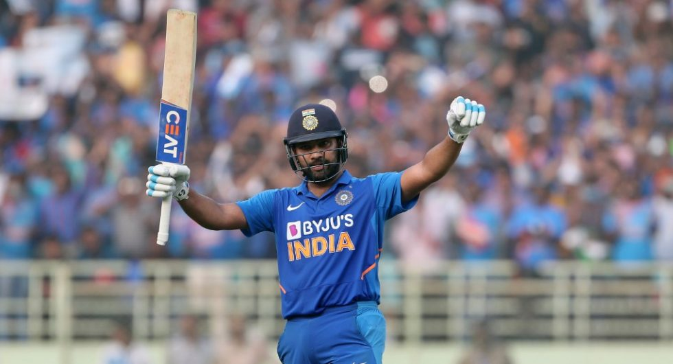 Rohit Sharma faces injury scare