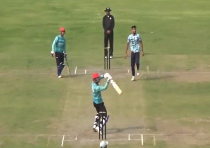 """Do you call it helicopter?? "" Rashid Khan launches the question with his own Helicopter"