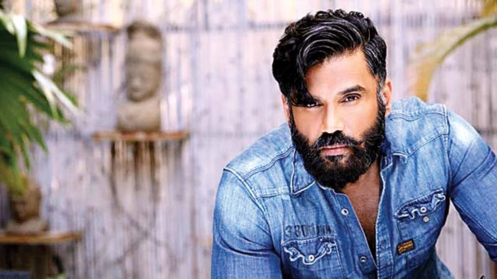 Suneil Shetty chooses MSD's experience over Pant X-factor in his World Cup XI