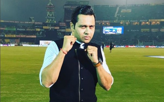 """The moment it lights up, that's it, you're out"": Aakash Chopra opines on the Zing Bails issue"