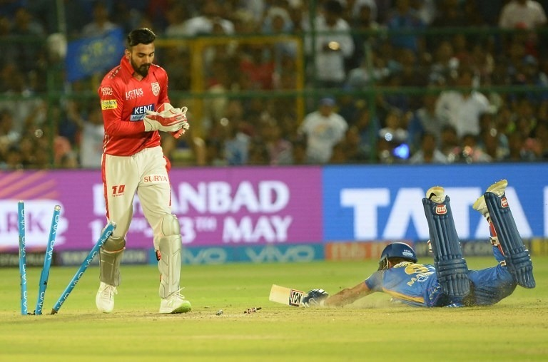KL Rahul's 'stump mic catches' goes viral on Social Media