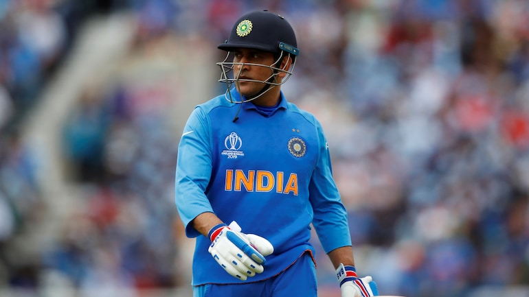Dhoni's absence is as big as that of Kapil Dev's or Sachin Tendulkar's: Shastri on MSD's replacement