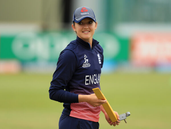 Sarah Taylor did A Majestic Stumping to Dismiss Ellyse Perry