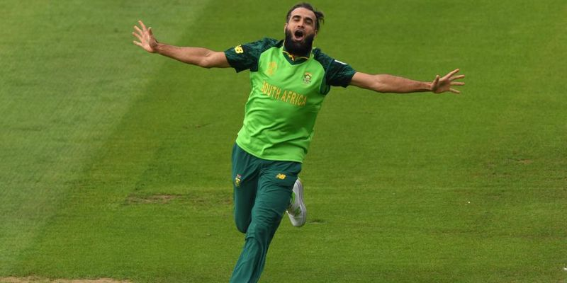 Imran Tahir starts his trademark celebration before umpire give out