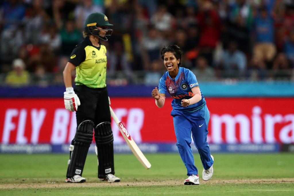 Twitter reacts to Poonam Yadav's double tip and the Aussie's dip
