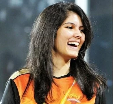 Mystery Girl is all smiles as SRH register their first win in IPL 2020