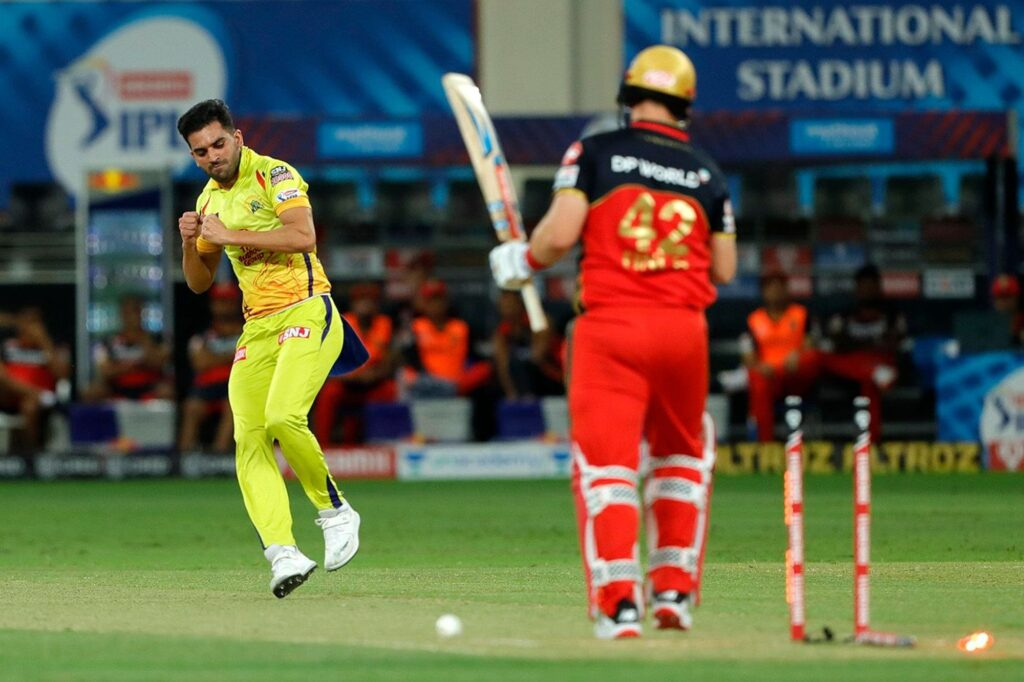 Chahar's unsuccessful 'Mankading' attempt on Aaron Finch goes viral on Social Media