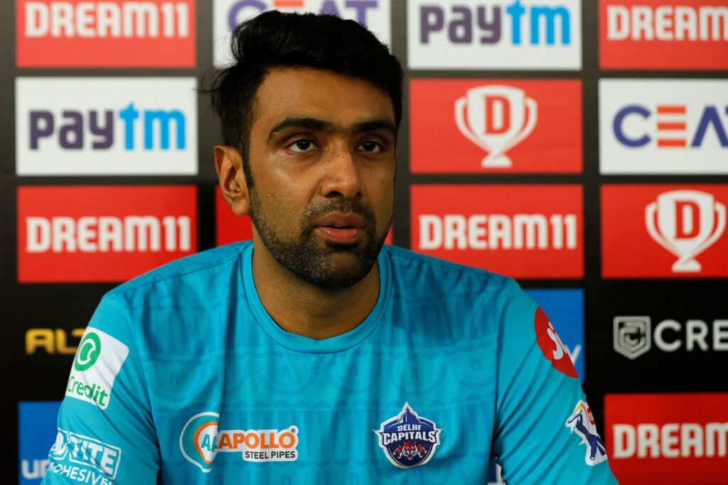 Ashwin issues warning to all batsmen after reprieving Aaron Finch of a possible 'Mankad'