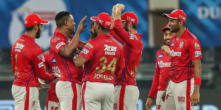 Aakash Chopra suggested Kings XI Punjab for releasing two star overseas players for IPL 2021