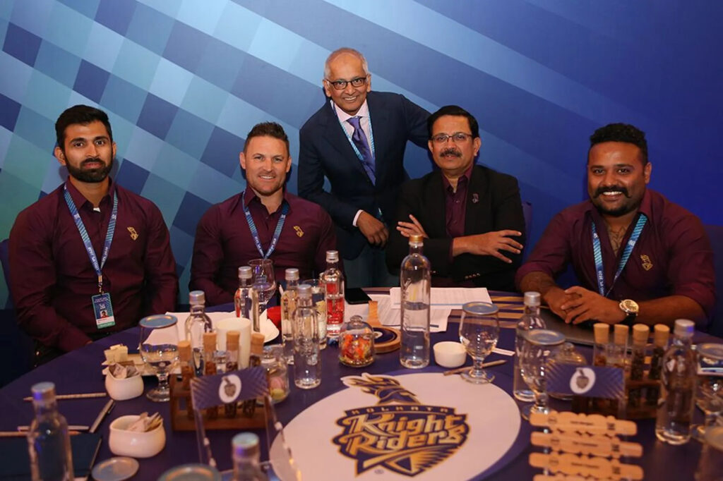 Two Australian all rounders into the squad of Kolkata Knight Riders