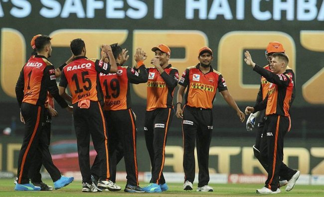 Retain and release players list of SRH