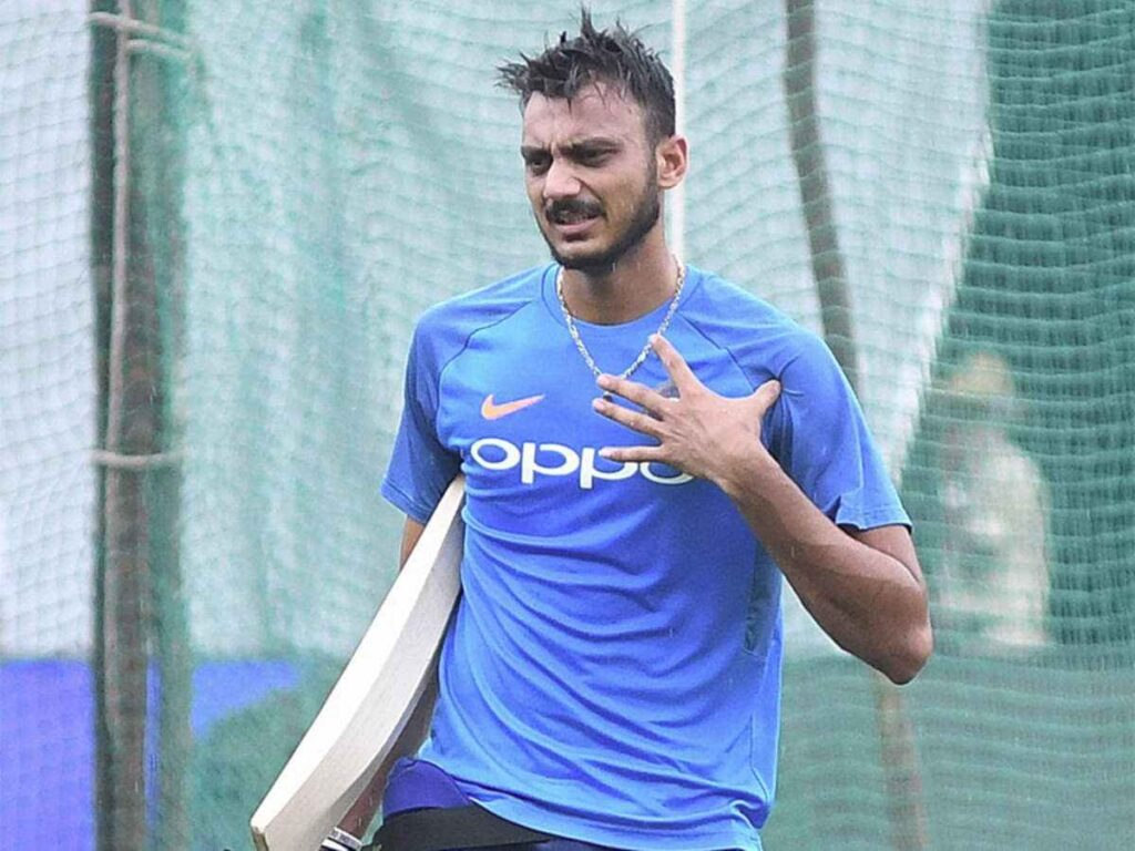 Indian Player ruled out of first test against England due to Knee Injury