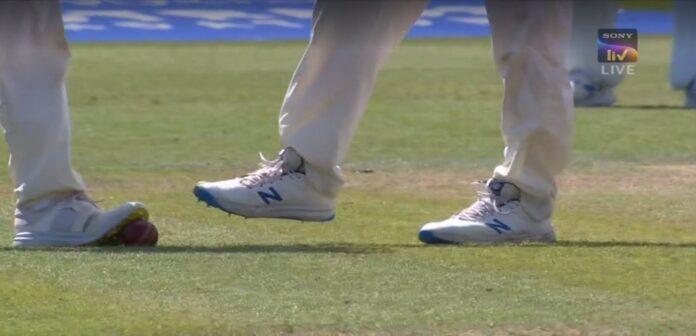 Star England Player spotted in ball tampering during Lord's Test