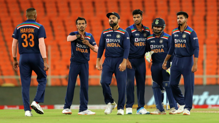 Virender Sehwag and Ashish Nehra Pick their favourite playing XI for Indian Team
